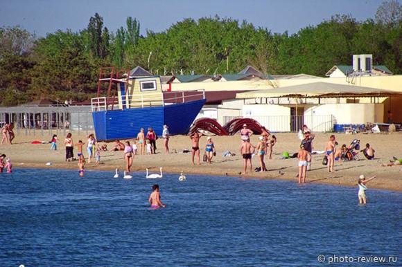 пляж Анапы в мае