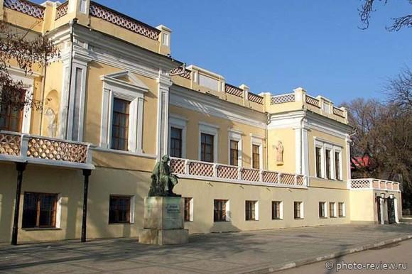 картинная галерея Айвазовского в Феодосии