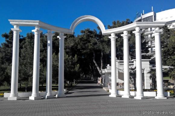 Лермонтовская арка в Геленджике