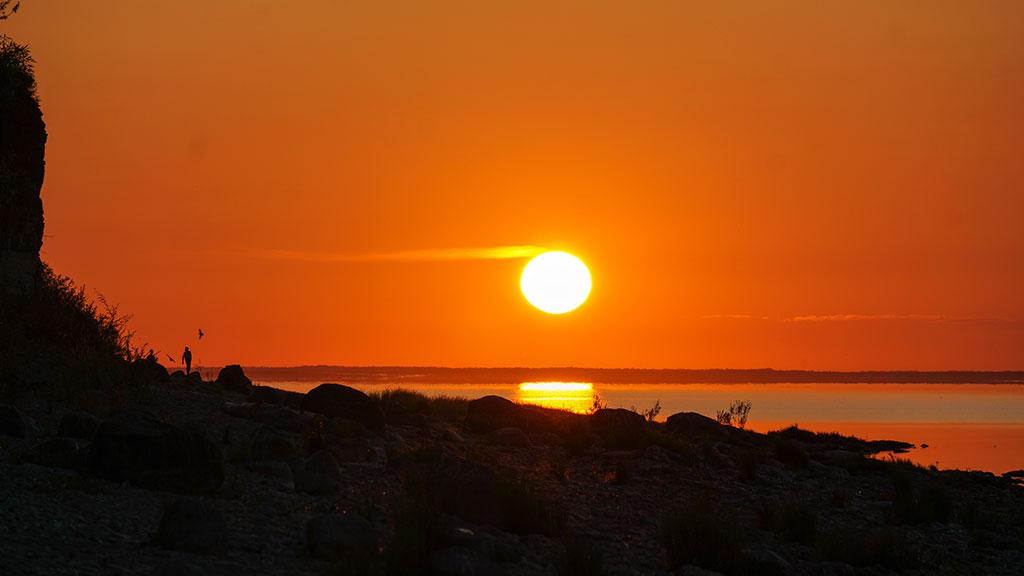 Красивый закат на Ильмень-озере
