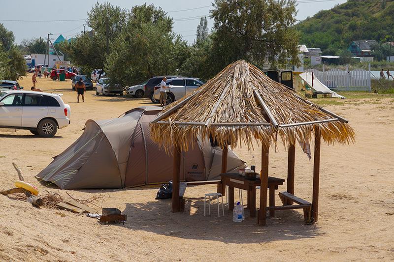 Какую палатку купить для кемпинга