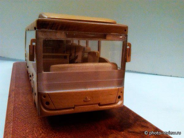 деревянная модель автобуса