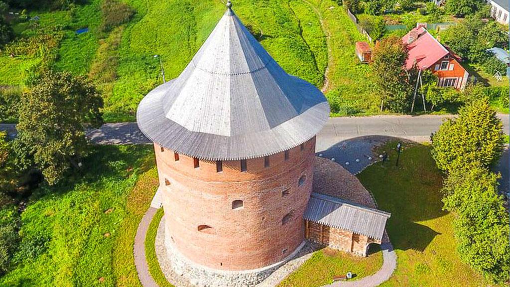 Белая башня в Великом Новгороде