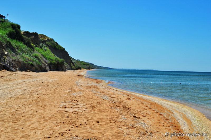 пляж в поселке за родину
